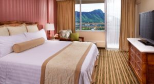 Wake Up To Stunning Views Of Diamond Head At This Affordable Hawaii Hotel