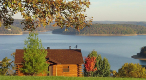 Wake Up To A View At This Jaw Dropping Cabin Getaway In Arkansas