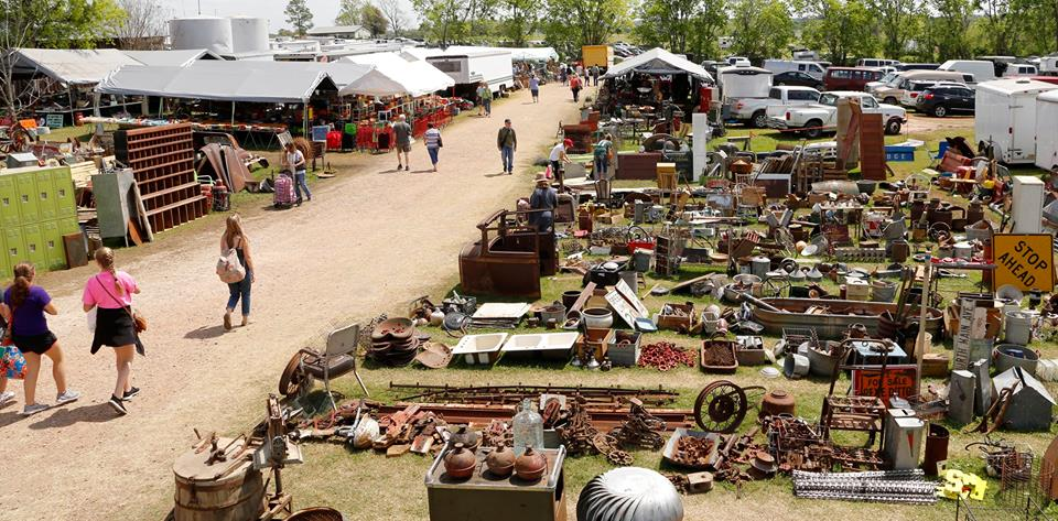 Antique Weekend Is The Biggest Flea Market In Texas
