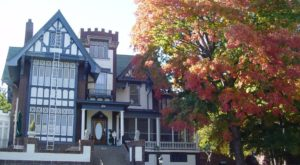 Your Fantasy Fall Getaway Starts At This Kansas Bed & Breakfast