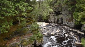The Unrivaled Canyon Hike In Michigan Everyone Should Take At Least Once