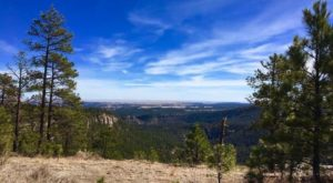 The Jaw Dropping South Dakota Hike That's Perfect For Everyone