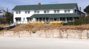 Watch Dolphins Play From Your Window At This Seaside Inn In South Carolina