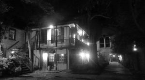13 Legendary Hauntings In South Carolina So Bizarre They MUST Be Real