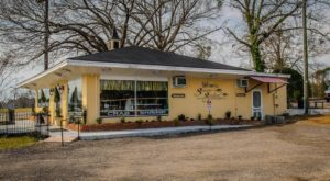 The Tiny Town In South Carolina With The Most Scrumdiddilyumptious Restaurants