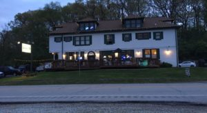 You'll Never Forget Your Visit To The Most Haunted Restaurant In Chicago