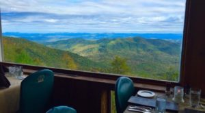 The Hidden Restaurant In North Carolina That's Surrounded By The Most Breathtaking Fall Colors
