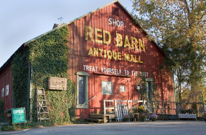 8 of the Best Southern Indiana Antique Shops