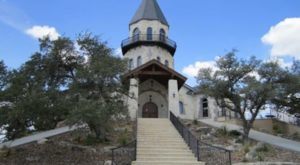 You Can't Pass Up A Trip To This Breathtaking Lighthouse Ranch In Texas
