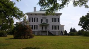 This After Dark Tour Of South Carolina's Most Haunted Plantation Will Utterly Terrify You