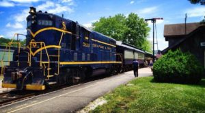 Take This Fall Foliage Train Ride Near Columbus For A One-Of-A-Kind Experience