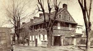 The Story Behind Philadelphia's Most Haunted House Will Give You Nightmares