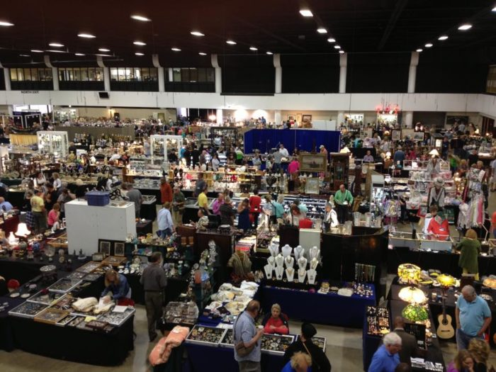 Flea Market Miami >> 8 Amazing Antiques Festivals In Florida Where You'll Find All Kinds Of Treasures
