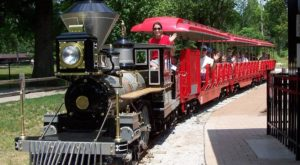 This Train Ride Through A Virginia Zoo Will Enchant Visitors Of All Ages