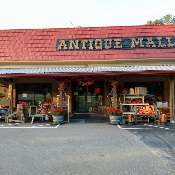 Nashville is best town near indianapolis to visit this fall for Antique stores in nashville