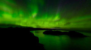 These 12 Photos Of The Northern Lights Appearing Over The U.S. Will Mesmerize You