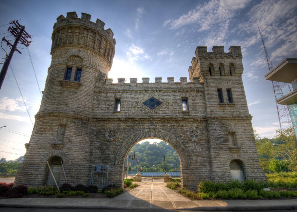 The Story Behind The Elsinore Arch In Cincinnati