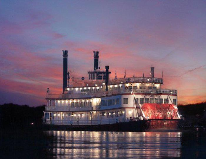 Bb Riverboats Has A Bourbon Cruise In Kentucky This Fall