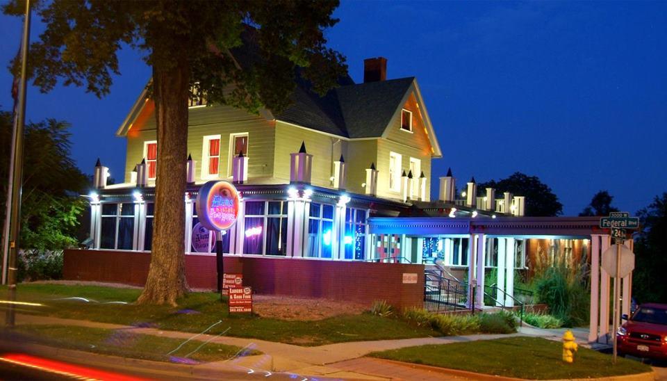 Visit Denver S Murder Mystery Mansion Dinner Theater