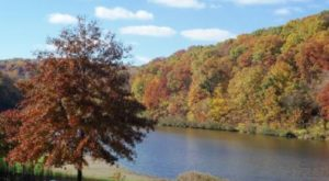 The One Hikeable Lake Near Pittsburgh That's Simply Breathtaking In The Fall