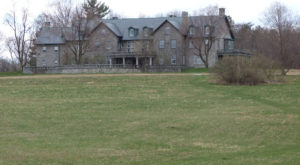 This House In Vermont Inspired One Of The Scariest Tales Ever