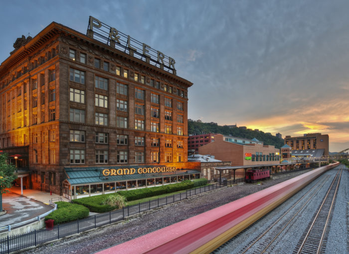 10 Iconic Places Every True Pittsburgher Will Instantly