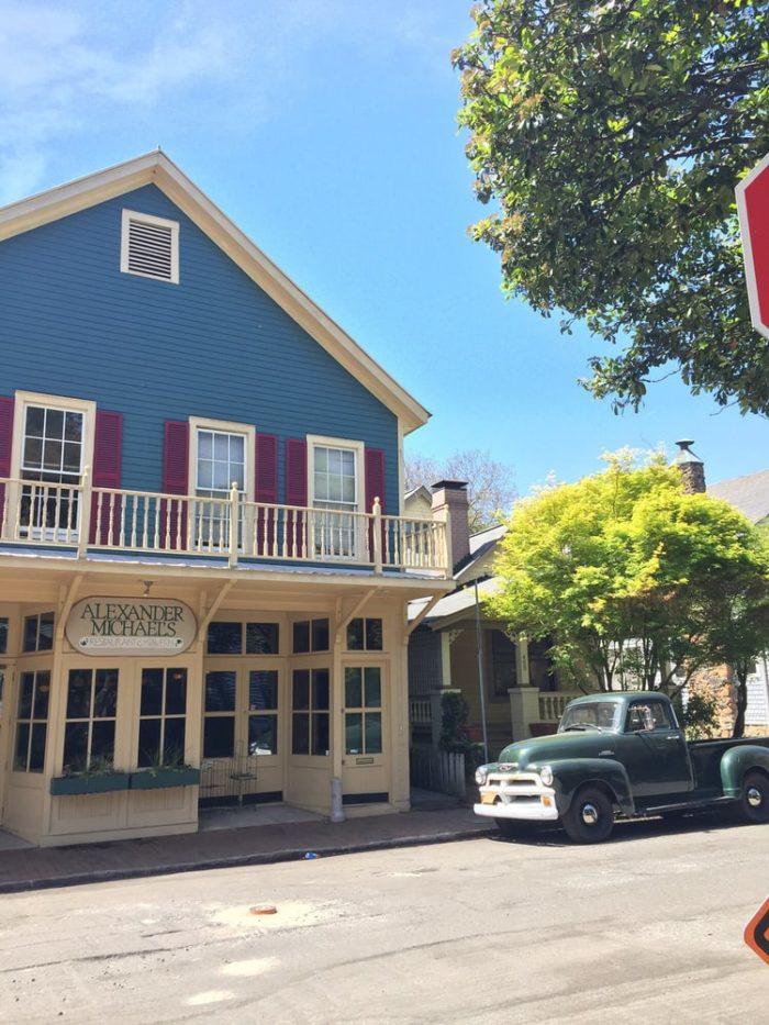 9 best neighborhood restaurants in charlotte. Black Bedroom Furniture Sets. Home Design Ideas