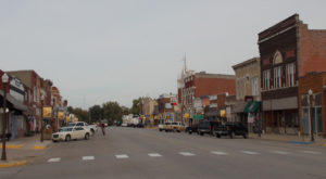The Tiny Town In Kansas With The Most Scrumdiddilyumptious Restaurants
