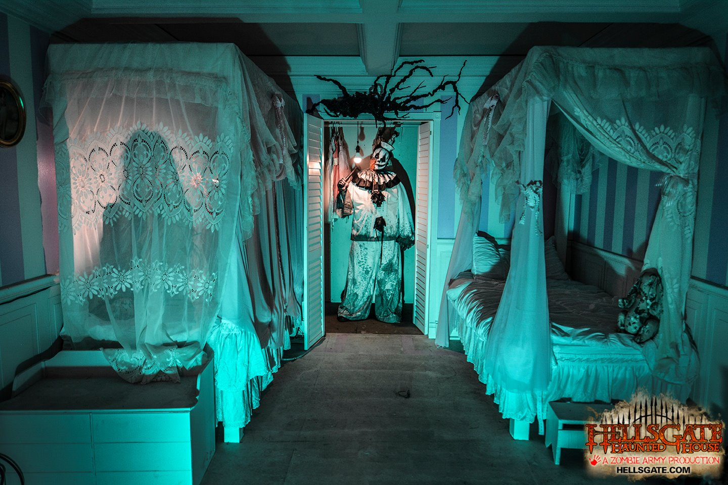 13 best haunted houses in illinois for halloween 2017 for 13th floor dallas address