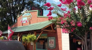 The Tiny Town In Arkansas With The Most Scrumdiddilyumptious Restaurants