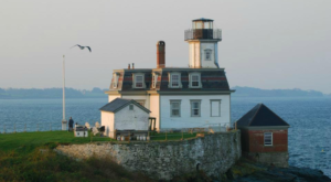 Few People Know You Can Stay Overnight At This Gorgeous Rhode Island Lighthouse