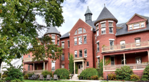 This Historic New Hampshire Mansion is Now A Hotel And You'll Love It