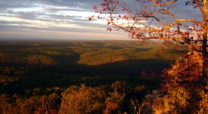 10 Short And Sweet Fall Hikes In Arkansas With A Spectacular End View