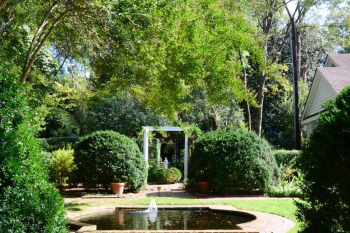 Wing haven gardens bird sanctuary is best secret garden - Wing haven gardens and bird sanctuary ...