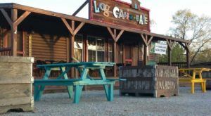 The Remote Cabin Restaurant In Missouri That Feels Just Like Home