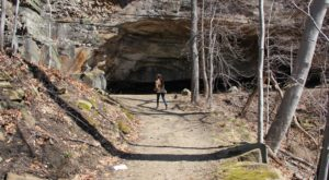 Hiking To This Aboveground Cave Near Cleveland Will Give You A Surreal Experience