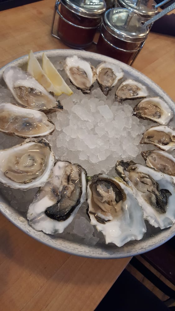 8 virginia restaurants where you 39 ll find some of the best for Public fish and oyster