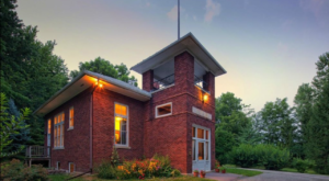 Few People Know You Can Spend the Night In This One-Room Schoolhouse In Wisconsin