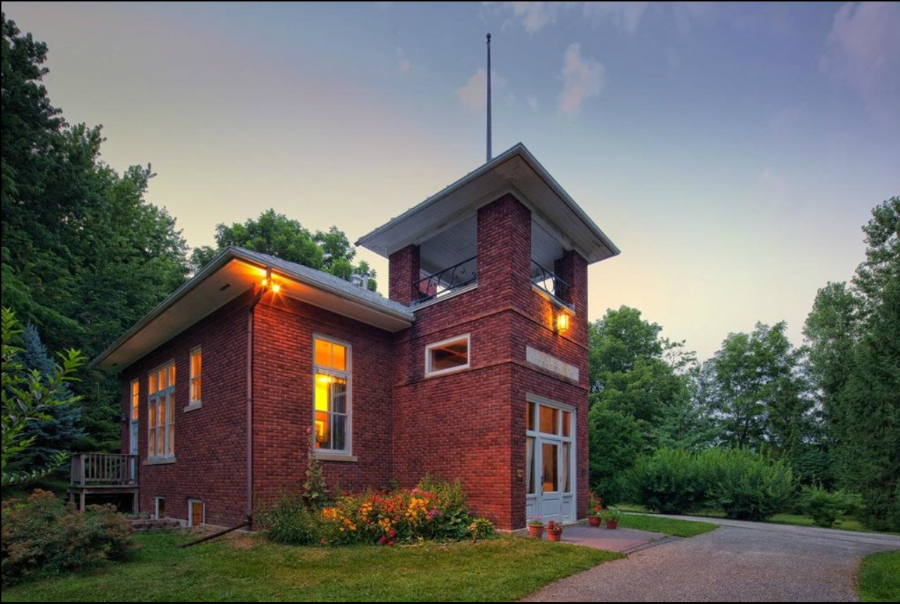 Wilson Schoolhouse Inn In Wisconsin Is A Renovated One