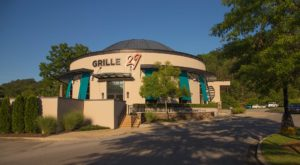 The Mouthwatering Steak And Seafood Restaurant In Alabama Everyone Must Try