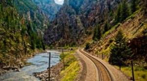 This American Train Ride Is One Of The World's Longest And Most Dazzling