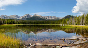 The One Hikeable Lake In Colorado That's Simply Breathtaking In The Fall