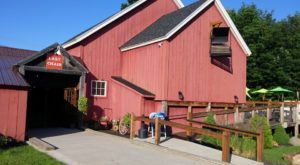 The Incredible Barn Restaurant Everyone In Vermont Needs To Visit At Least Once