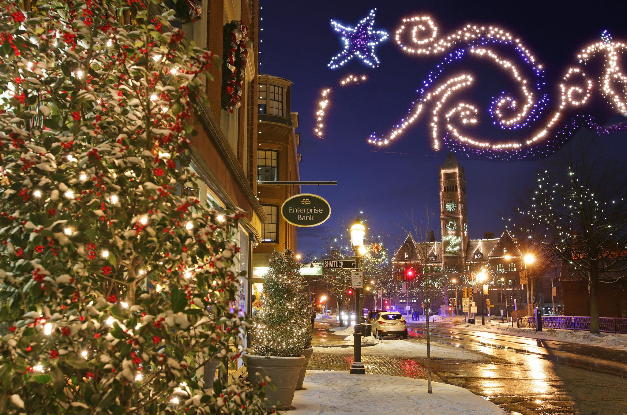 8 Best Christmas Main Streets Near Boston 2017