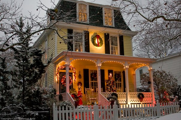 The Small Town In New Jersey That Transforms Into A Magical Christmas Wonderland