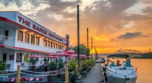 There's A Floating Restaurant In West Virginia You Have To See To Believe