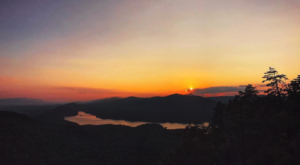 One Of The Most Scenic Spots To Watch A Mountain Sunset Is Right Here In Virginia