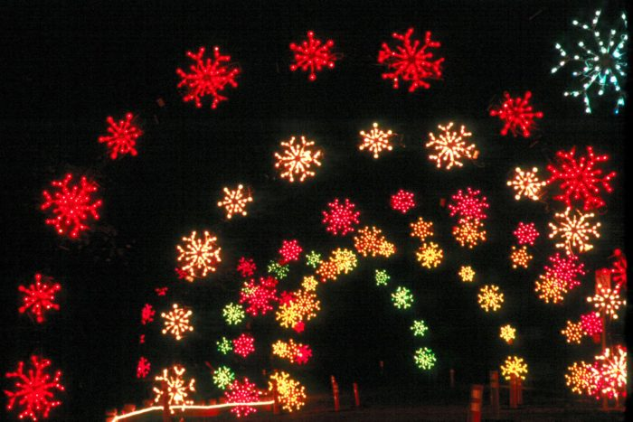 this spectacular seasonal event dazzles newport news park in over one million christmas lights of all shapes in sizes
