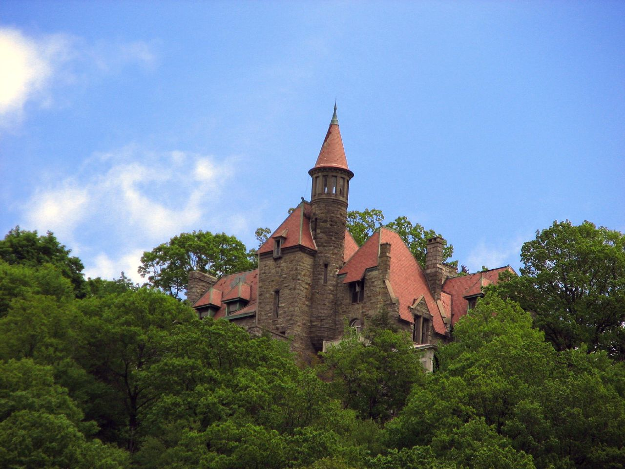 The Hidden Castle In New York That Almost No One Knows About