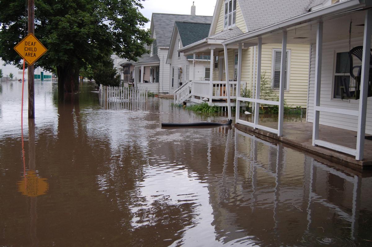 U Of Cincinnati >> One Of The Worst Disasters In U.S. History Was This 2008 Iowa Flood